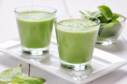 Protein-Green-Smoothie (Bild: © mama_mia - shutterstock.com)