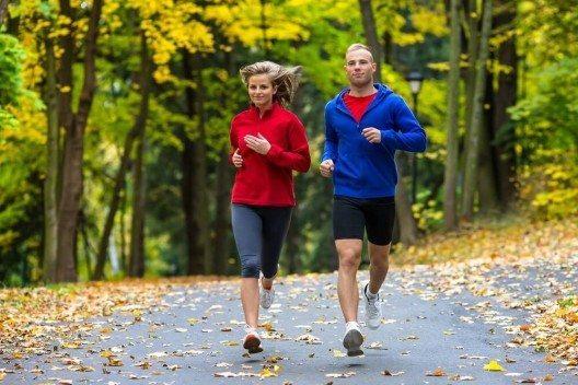 Die Luft ist jetzt klarer und kühler, so fühlt sich Sport wieder leichter und erfrischend an. (Bild: © Jacek Chabraszewski - fotolia.com)