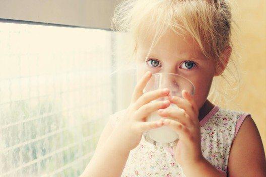 Ohne Milch kein Kalzium und ohne Kalzium keine starken Knochen! (Bild: © Dubova - shutterstock.com)