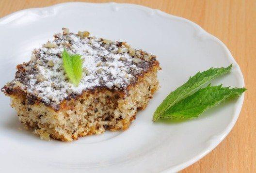 Dank der köstlich nussigen Erdmandeln können auch Nussallergiker aromatische Kuchen geniessen. (Bild: © Hamik - shutterstock.com)
