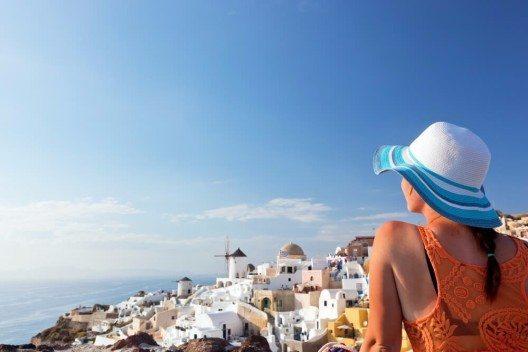 In der Nebensaison sind Reisen viel günstiger. (Bild: © PHOTOCREO Michal Bednarek - shutterstock.com)