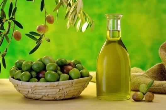 In der Mittelmeerküche geht ohne Olivenöl gar nichts. (Bild: © Bruno D'Andrea - shutterstock.com)