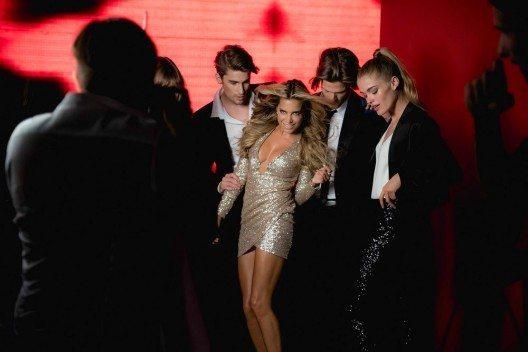 """Gerade erst hat Sylvie Meis als Moderatorin mit ihrer neuesten RTL-Show """"Stepping Out"""" Lust auf Tanzen gemacht."""