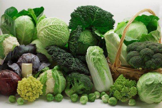 Saisonales Gemüse wie eine Vielzahl an Kohlsorten sind prädestiniert, den Körper mit wertvollen Nährstoffen zu versorgen. (Bild: © Shulevskyy Volodymyr - shutterstock.com)