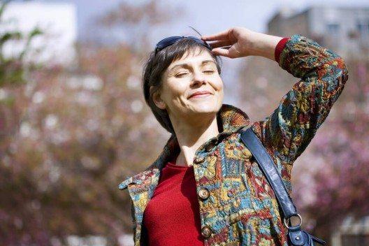 Dem Körper fehlt Sonnenlicht, um in der Haut das Vitamin D herzustellen. (Bild: © Image Point Fr - shutterstock.com)