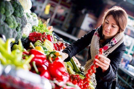 Achten Sie auf eine ausgewogene Ernährung. (Bild: © Goran Bogicevic - shutterstock.com)