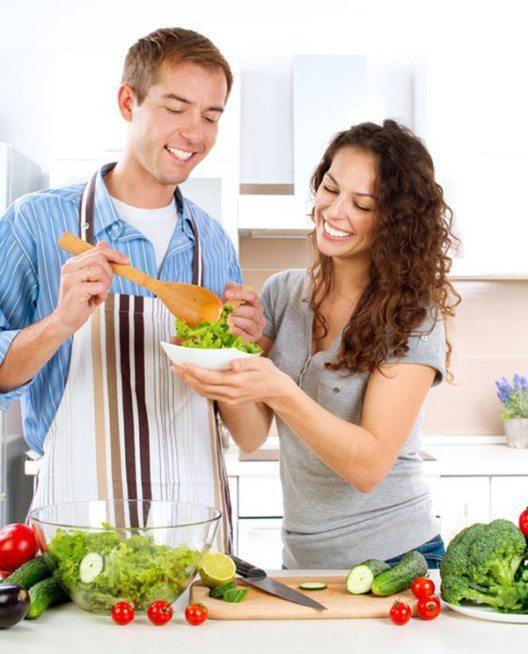 Buntes Gemüse, Salat sowie Obst liefern sekundäre Pflanzenstoffe. (Bild: Basica / panthermedia)