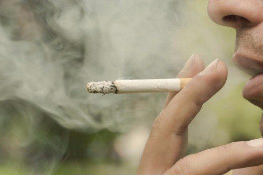 Rauchen ist Gift für die Wundheilung. (Bild: © Ehab Edward - shutterstock.com)