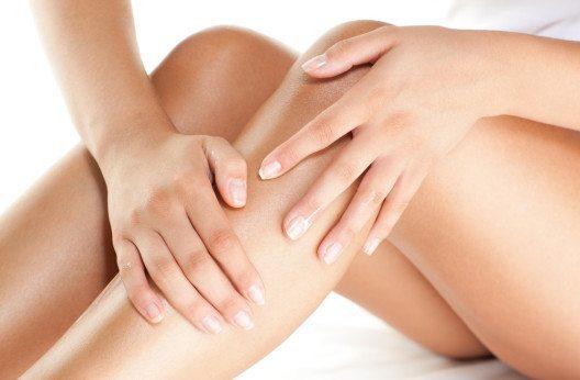 Knie und Ellbogen sind besonders hoher Abnutzung ausgesetzt. (Bild: Nadya Lukic – Shutterstock.com)