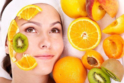 Die Orange als Freund und Helfer unserer Haut. (Bild: Poznyakov – Shutterstock.com)