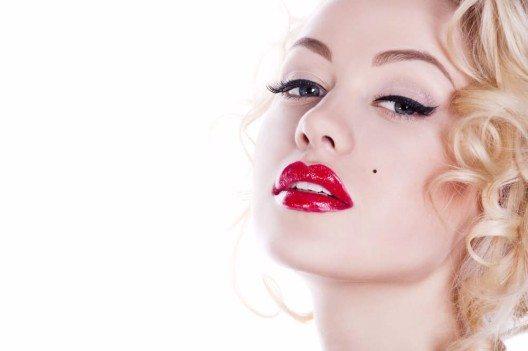 Keine andere hat das Image der blonden Sexbombe so geprägt wie Marilyn Monroe. (Bild: © Matilda Inozemceva - shutterstock.com)