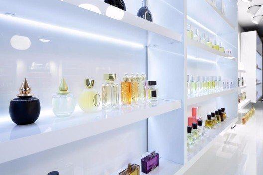 Parfumklassiker stehen für Werte wie Echtheit und Traditionswahrung, vermitteln ein Gefühl von Vertrauen, Sicherheit und Verlässlichkeit. (Bild: © fiphoto - shutterstock.com)