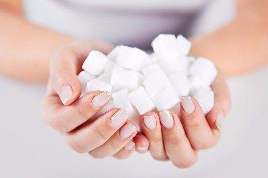 Ernährungswissenschaftler betonen immer wieder, dass der viele Zucker in unserer Nahrung ungesund ist. (Bild: © Rostislav_Sedlacek - shutterstock.com)