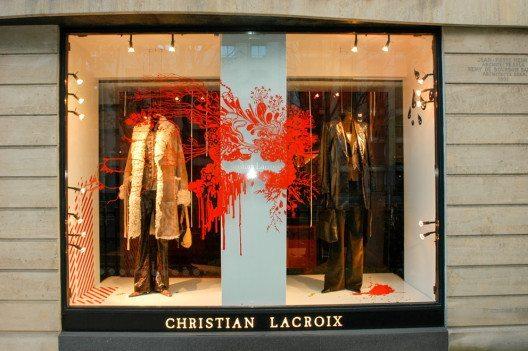 Die Designs von Christian Lacroix stehen für Fantasie, Dramatik und Extravaganz. (Bild: Stefano Ember – Shutterstock.com)