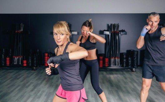 Der Muntermacher Kampfsport erfreut sich immer grösserer Beliebtheit. (Bild: © David Pereiras - shutterstock.com)