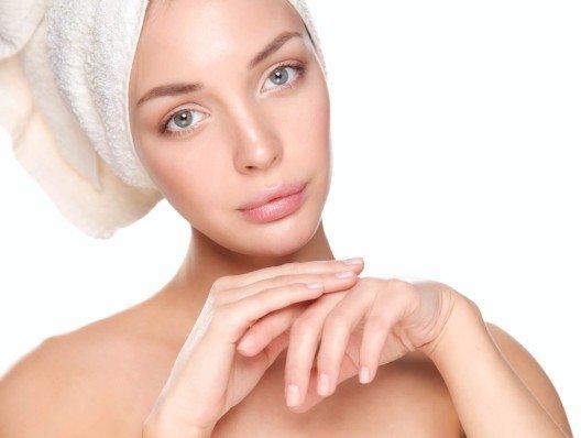Sensible Haut ist oftmals das Resultat von Überpflegung oder falscher Pflege. (Bild: © lenets_tan - fotolia.com)