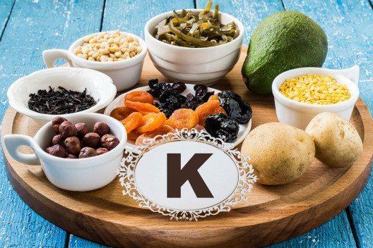 Kalium ist ein besonders wichtiger Mineralstoff. (Bild: 13Smile – Shutterstock.com)