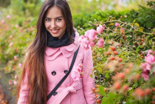 Ein rosa Mantel ist also eine Investition, die sich auf jeden Fall lohnt. (Bild: InnervisionArt – Shutterstock.com)
