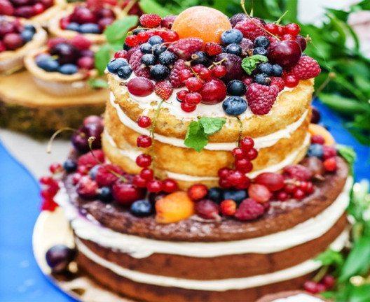 """""""Naked Cake"""" (Bild: Shebeko – Shutterstock.com)"""