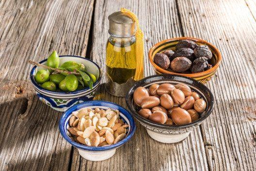 Arganöl ist ein wahres Multitalent unter den Kosmetikwirkstoffen. (Bild: Luisa Puccini – Shutterstock.com)