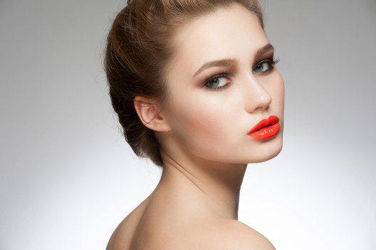 Tangerine ist die Trendvariante fürs klassische Rot. (Bild: Malyugin – Shutterstock.com)