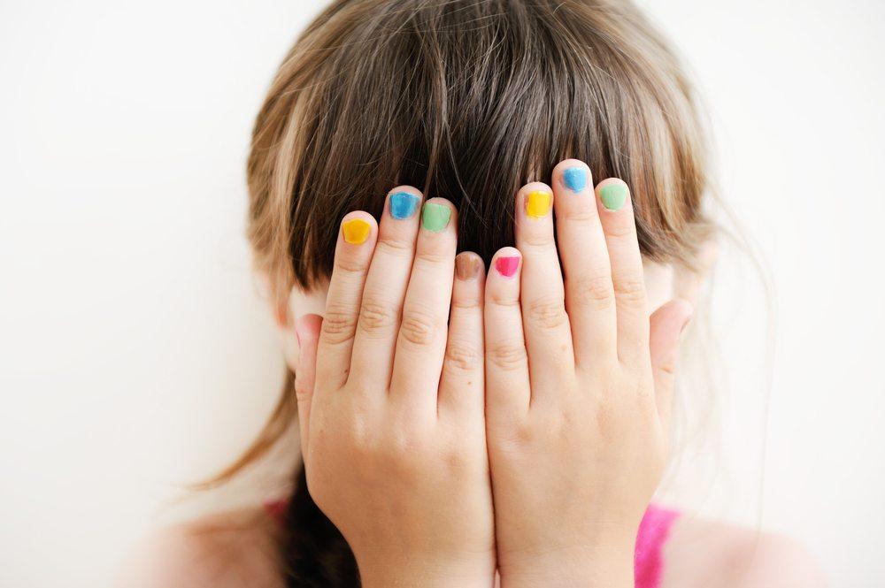 Zielgruppe dieses Spiels: Junge Mädchen von 6-10 Jahre - diese Online-Games haben Auswirkungen auf das Selbstwertgefühl.  (Bild: © Alinute Silzeviciute - shutterstock.com)