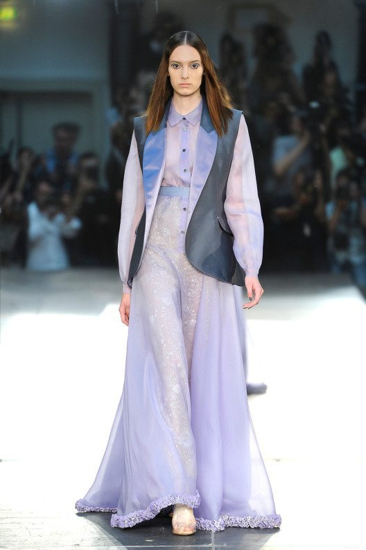 """Designer Alexis Mabille zeigte auf der Paris Fashion Week """"Pastel Vibrations"""". (Bild: © Alexis Mabille)"""