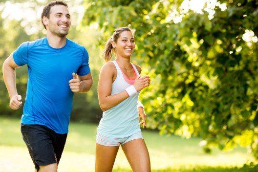 Wer läuft, lebt besser und gesünder (Bild: © Goran Bogicevic - shutterstock.com)