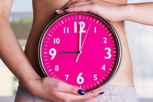 Doch unsere innere Uhr ist sensibel und reagiert auf Einflüsse von aussen. (Bild: © Degtiarova Viktoria -shutterstock.com)