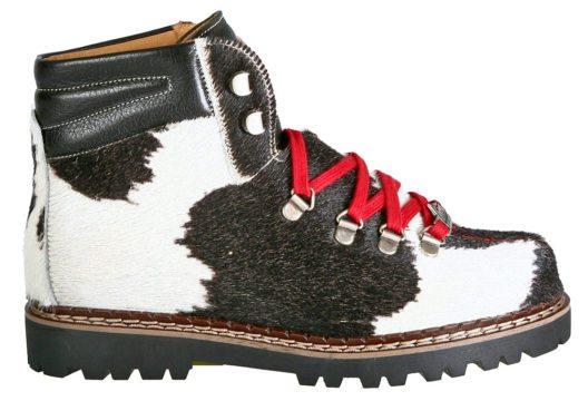 Ein Klassiker ist das Modell Town mit schwarz/weissem Kuhfell. (Bild: Ammann Shoes)