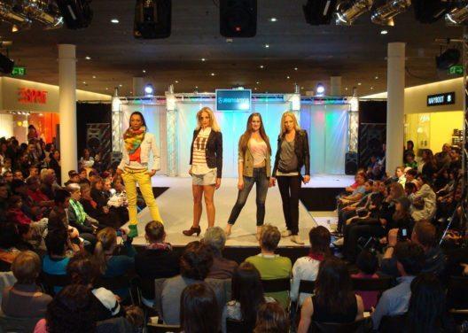 Modeschau in der Shopping Arena (Bild: Wincasa AG)