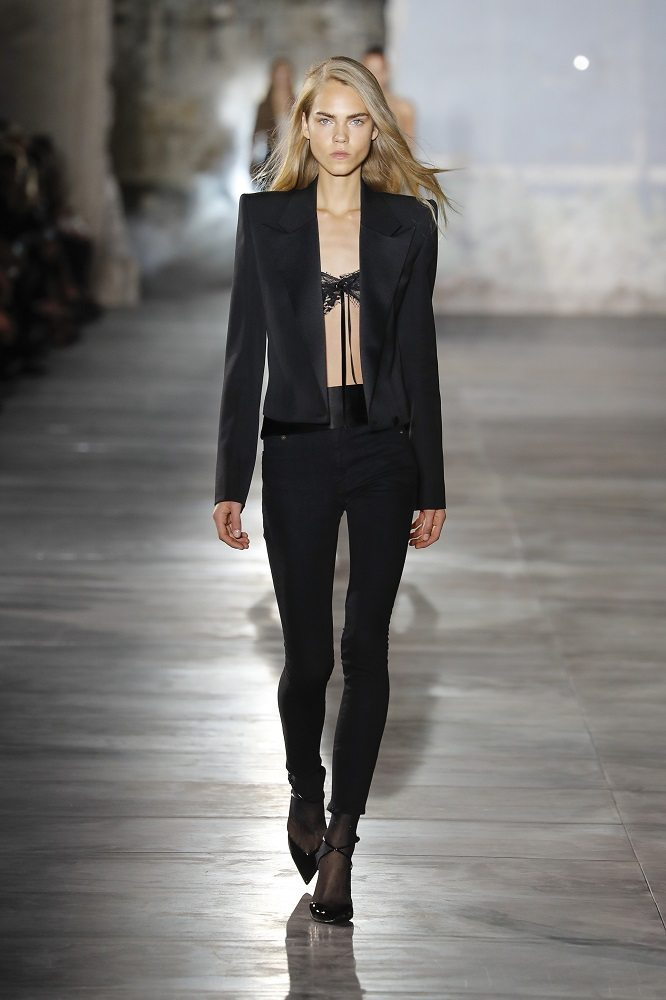 fsfwpa51-16f-fashion-week-paris-f-s-17-saint-laurent