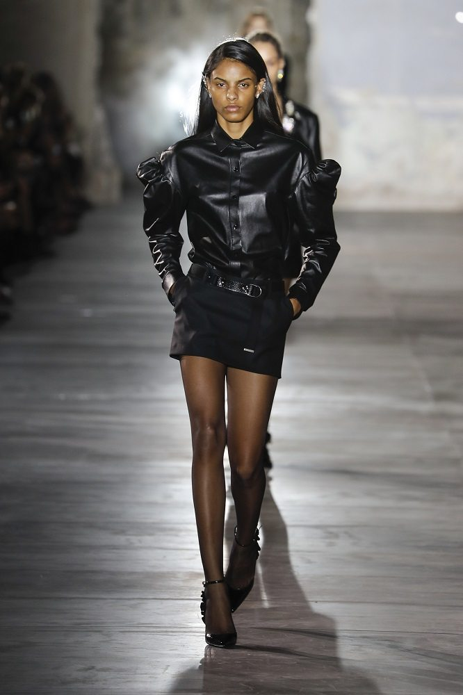 fsfwpa51-23f-fashion-week-paris-f-s-17-saint-laurent