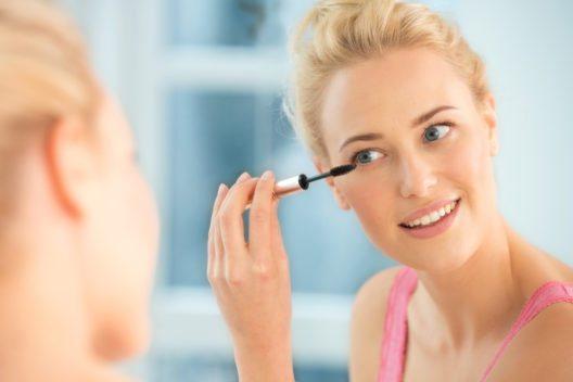 Ein natürliches Make-up lässt sich schnell zaubern. (Bild: HSE24)