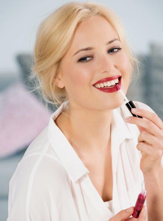 Das perfekte Abend-Make-up ist ganz einfach zu schminken. (Bild: HSE24)