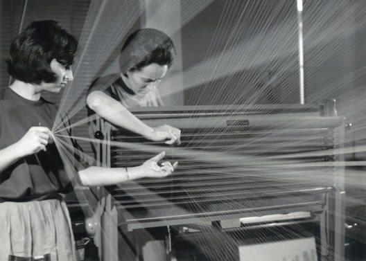 Zettlerei, Firmenarchiv Gessner AG, Wädenswil, ca. 1965. (Bild: Michael Wolgensinger, Zürich)