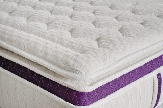 Die richtige Matratze ist für gesunden Schlaf entscheidend. (Bild: Pavel Mirchuk – shutterstock.com)