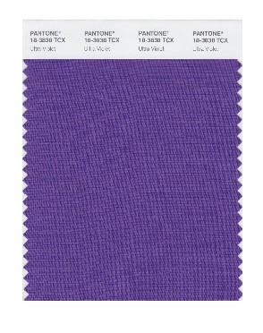 PANTONE 18-3838 Ultra Violet: Objektivität und Einfallsreichtum verkörpert das magische Ultra Violet, ein unverwechselbarer und komplexer Violett-Ton, der fasziniert.