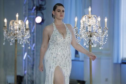 """Hanna Wilperath, Gewinnerin der zweiten Staffel von """"Curvy Supermodel"""" bei RTL II (Bild: © RTL II / Richard Hübner)"""
