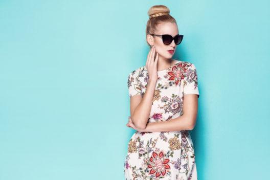Kleid mit Blumenmuster (Bild: © HighKey - shutterstock.com)