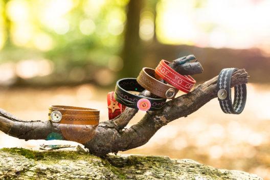 Leder-Armbänder nach Wunsch (Bild: BERNINA Schweiz)