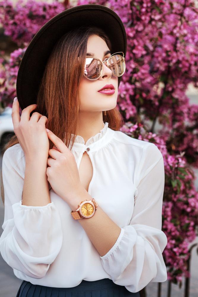 Weisse Bluse für perfektes Styling. (Bild:Victoria Chudinova - shutterstock)