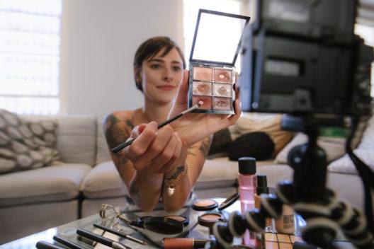 feature post image for Digitales Marketing wird für Beauty-Branche immer wichtiger