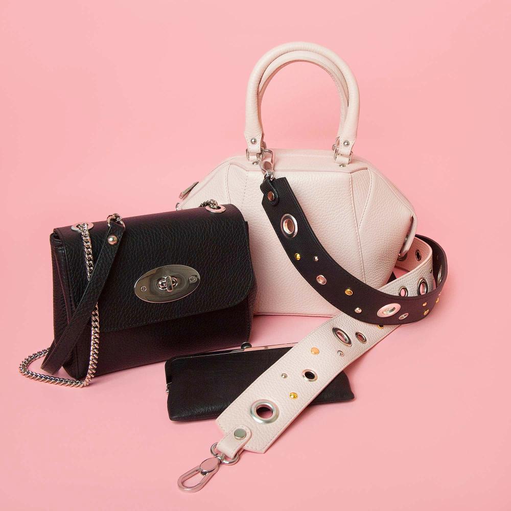 Kleine Taschen liegen im Trend. (Bild: Kolesker Anastasiia - shutterstock)