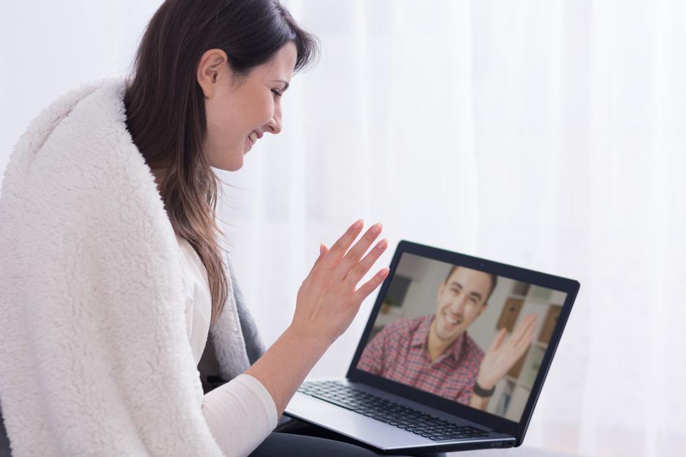 Über Skype in Kontakt bleiben. (Bild: Photographee.eu - shutterstock)