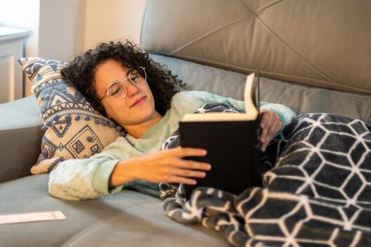 Glücksmomente im Alltag geniessen (Bild: Sara Maya - shutterstock.com)